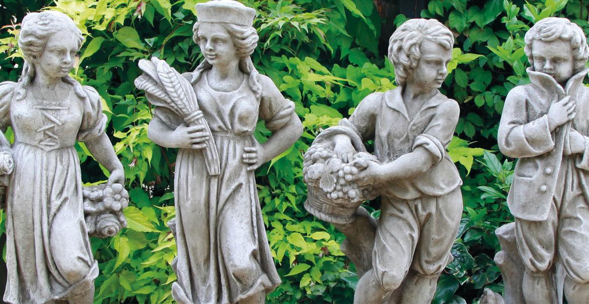 stonware figurines